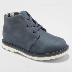 Boys kingston casual chukka fashion boots size 6